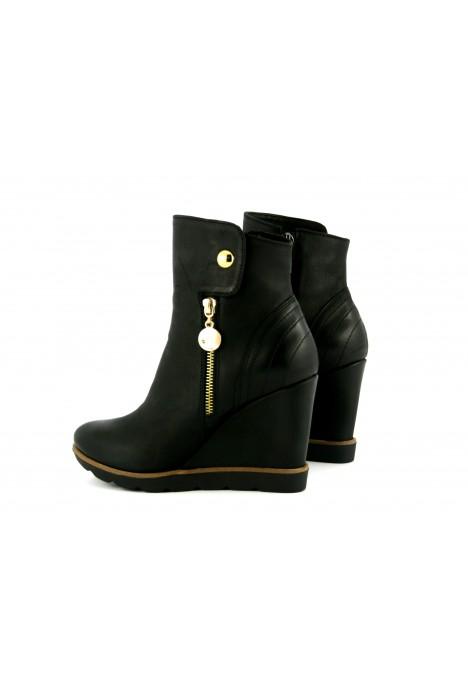 Czarne sneakersy Trisha