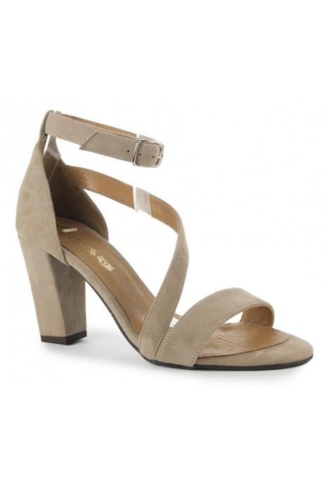 Zamszowe sandały Virginia nude