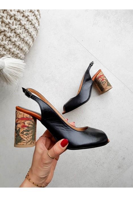 Czarne sandały na słupku Caterina