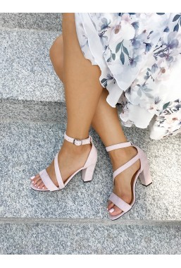 Zamszowe sandały Virginia pudrowy róż