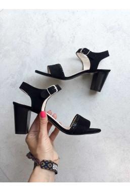 Czarne zamszowe sandały Ambra