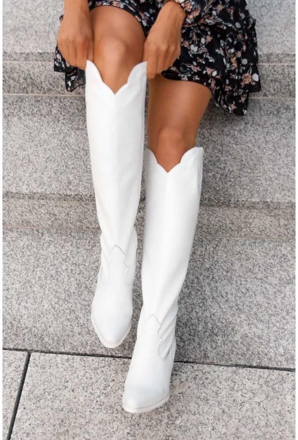 Białe kozaki Alissa