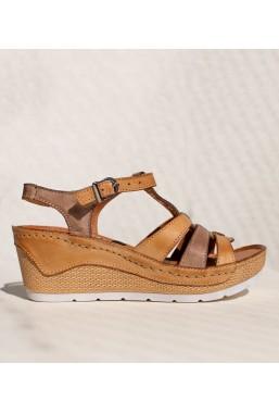 Brązowe sandały na koturnie Nyla