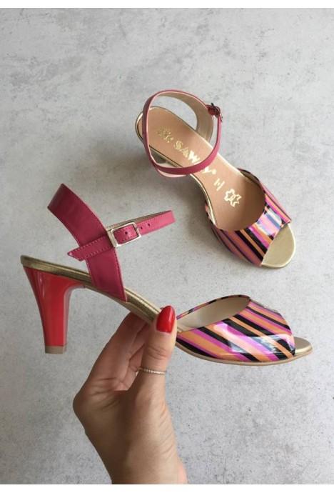 Lakierowane sandały Zinda