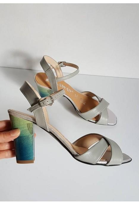 Szare sandały Maryslia