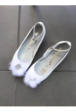 Eleganckie białe buty dla dziewczynki na komunię Kelsi
