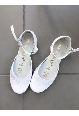 Eleganckie białe buty dla dziewczynki na komunię Milana