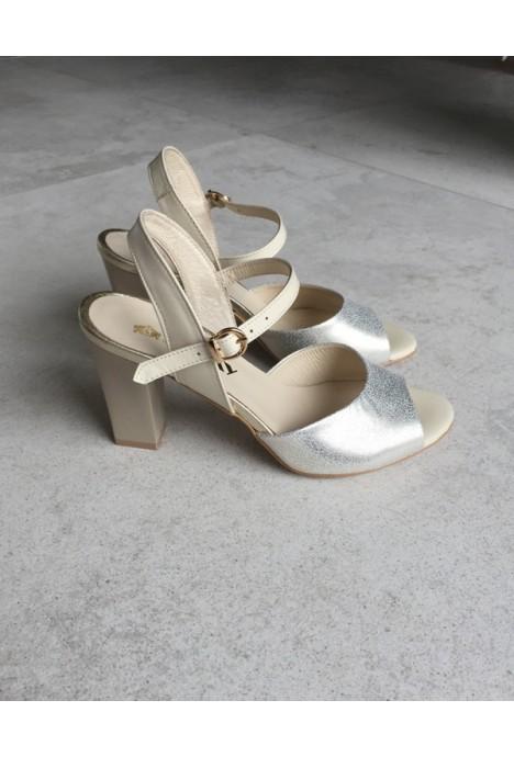 Złote sandały Medagri