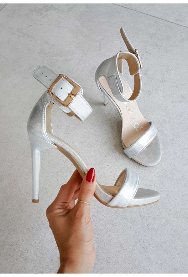 Srebrne sandały Destino