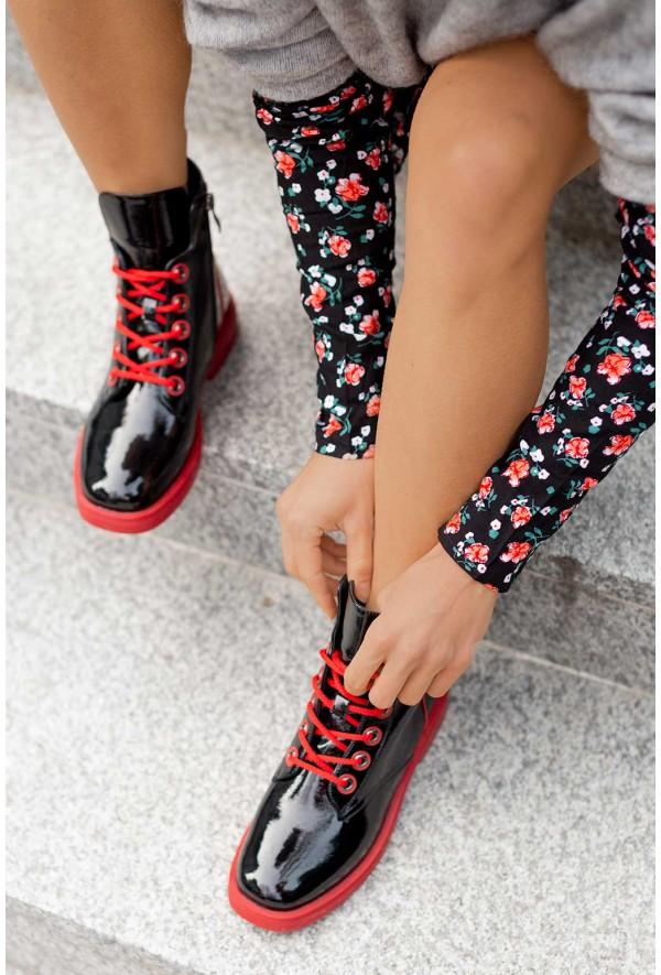 Czarne lakierowane botki Suzi
