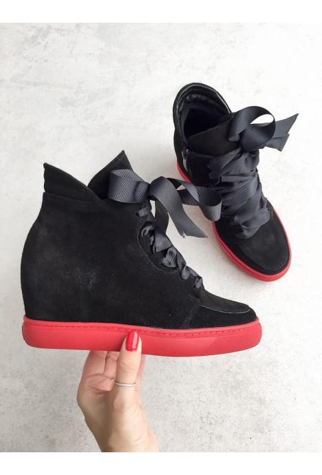 Czarne zamszowe sneakersy Isabelle