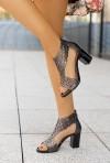 Grafitowe sandały na słupku Agota