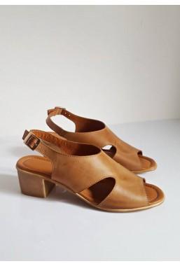 Brązowe sandały na słupku Inga