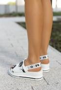 Białe sandały na koturnie Meli