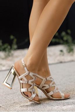 Złote sandały na słupku Lussia