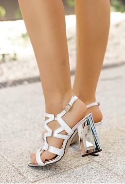 Srebrne sandały na słupku Lussia