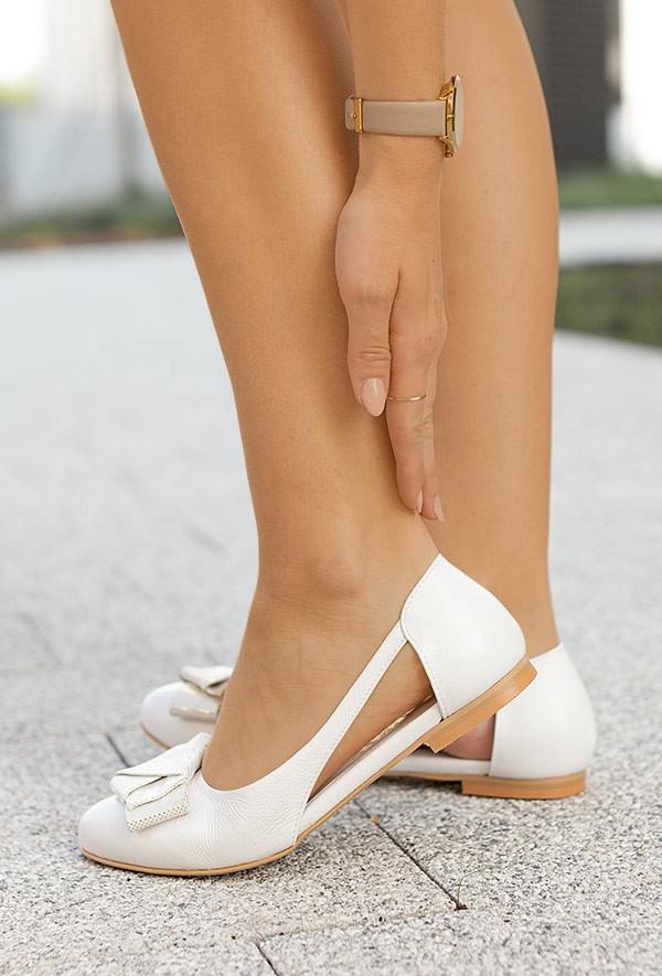 Białe baleriny Derry