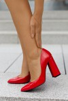 Eleganckie czerwone czółenka Vini