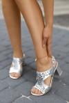 Srebrne sandały na słupku Agnes