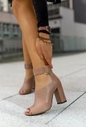 Sandały na słupku Vilma