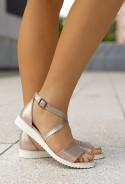 Złote sandały Vera