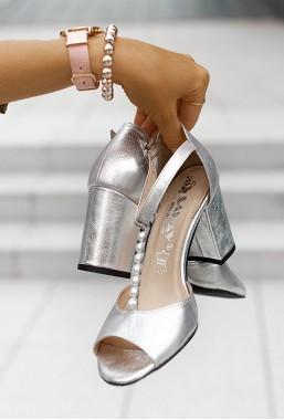 Sandały na słupku Annette argento