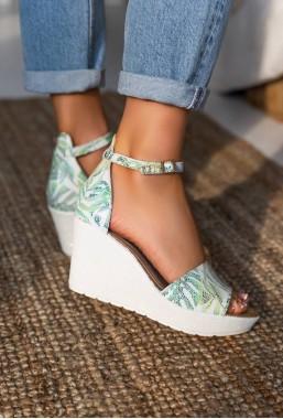 Sandały na koturnie Laure verde