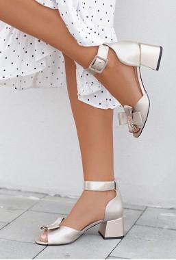 Złote sandały Pianta