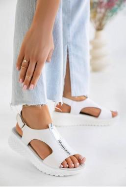 Białe sandały na koturnie Abin
