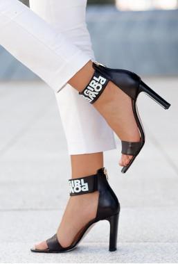 Czarne sandały na słupku Girl