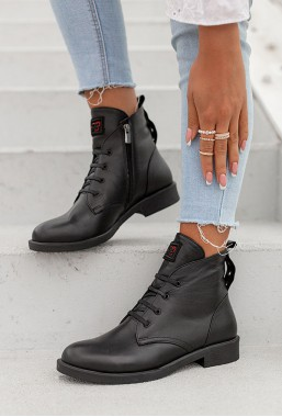 Czarne sznurowane botki Alezi