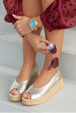 Złote Sandały na koturnie Sycylia