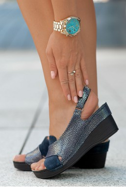 Granatowe zamszowe sandały Allora