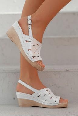 Perłowe sandały Azira