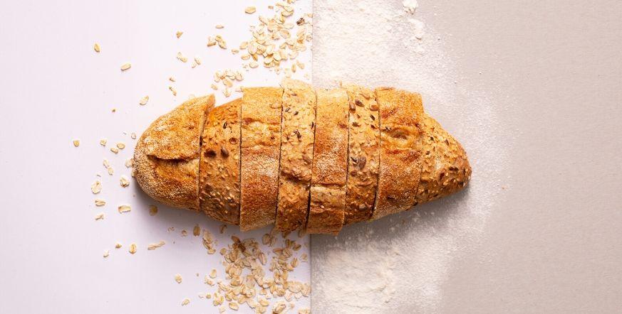 jak czyścić zamsz skórką do chleba