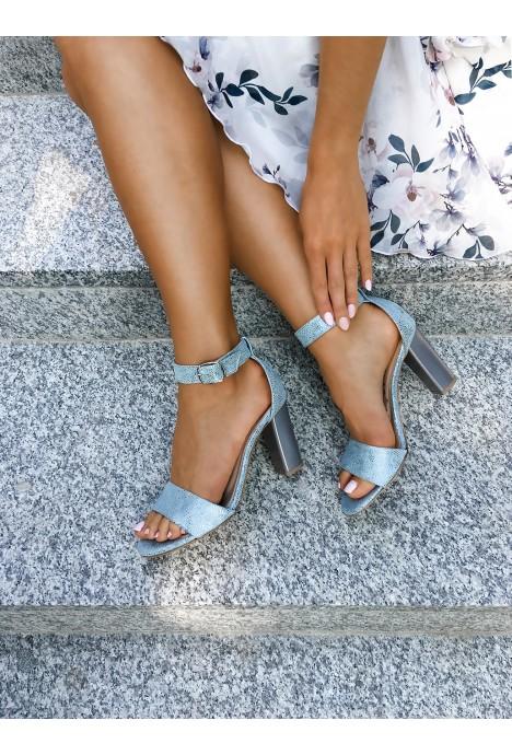 Sandały na słupku Carmela blu